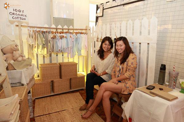 Mommy Mundo Trademark Mompreneur booths